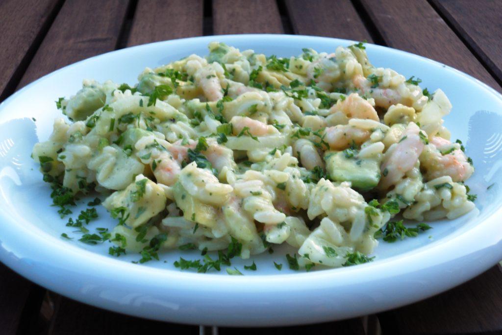 Salade de riz, crevettes et avocat