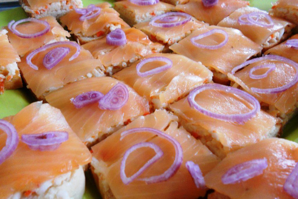 Canapés crabe-saumon