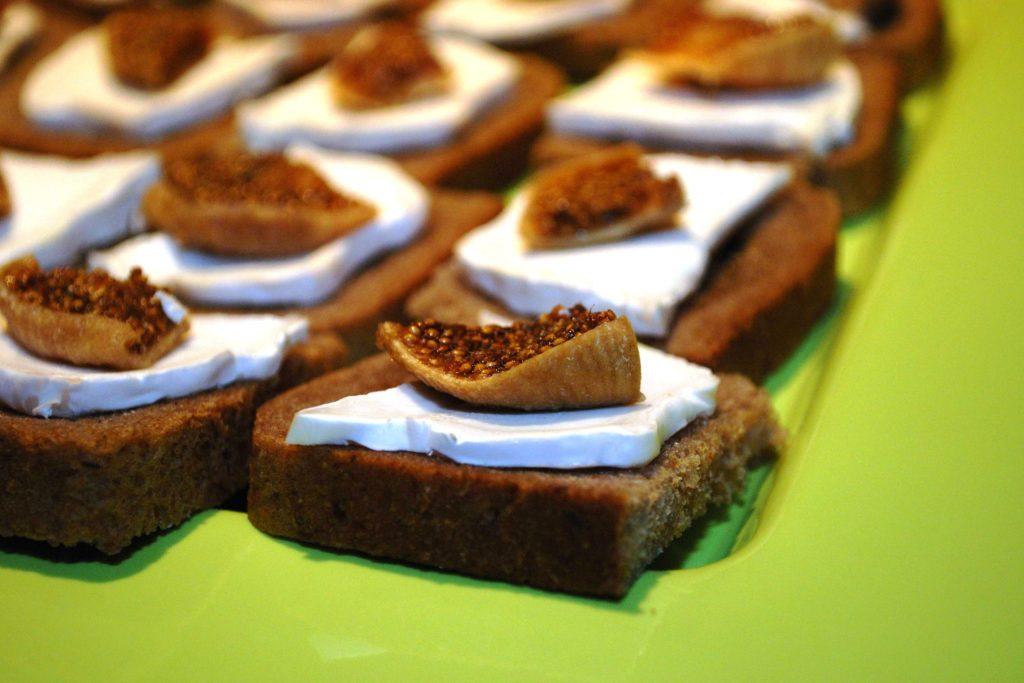 Toasts au chèvre et figues